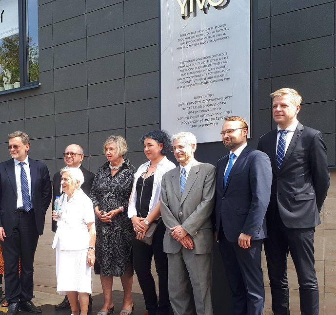 YIVO Plaque Unveiling Ceremony Held in Vilnius