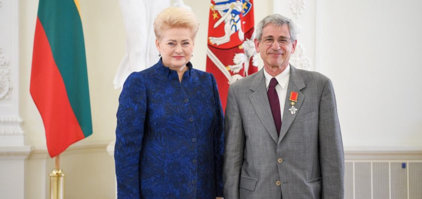 YIVO Institute CEO Jonathan Brent awarded with Cross of the Knight of the Order